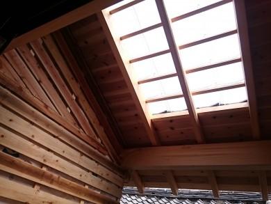硝子瓦の天窓